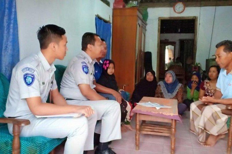 PT Jasa Raharja Kediri berikan santunan korban kecelakaan Bus Rosalia Indah di Lampung