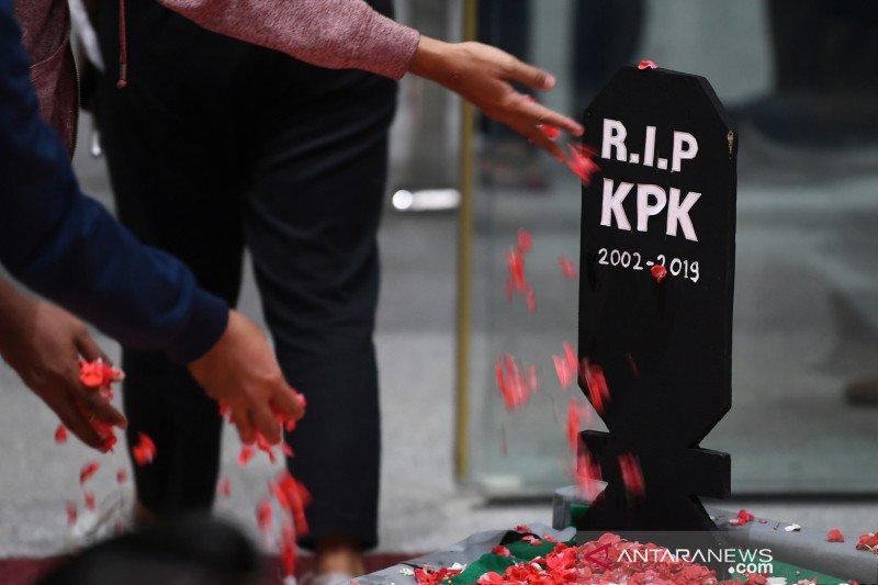 Pengamat: Publik akan tetap resisten terhadap UU KPK yang baru