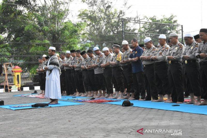 Polisi gelar Shalat Istisqa minta turun hujan di Tanjungpinang