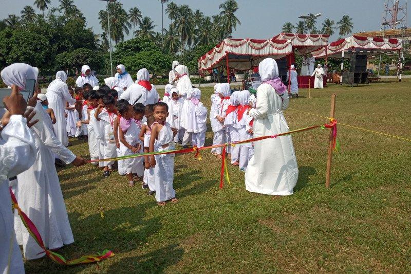 Ribuan murid PAUD dan TK di Lubukbasung Agam ikuti manasik haji