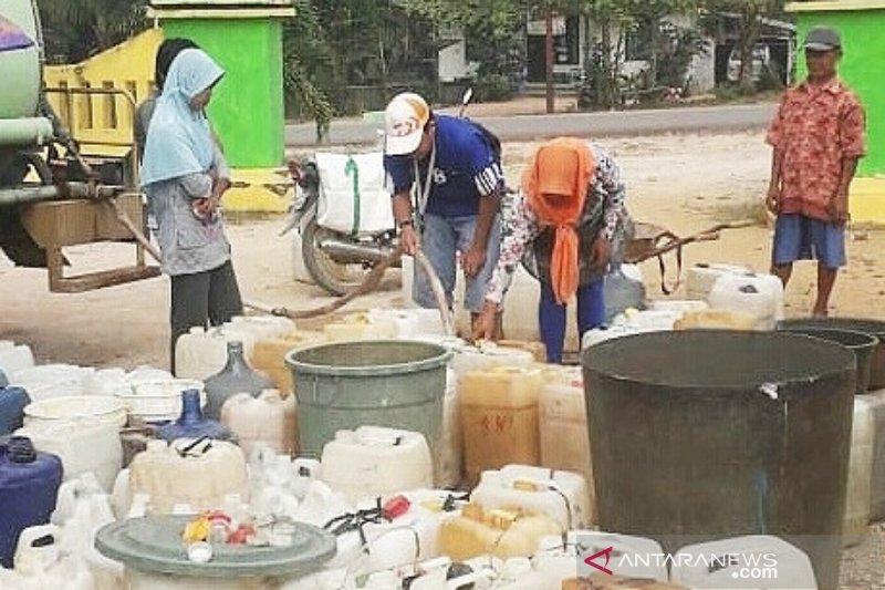 Pemkab Lamandau pasok air bersih ke wilayah terdampak kekeringan