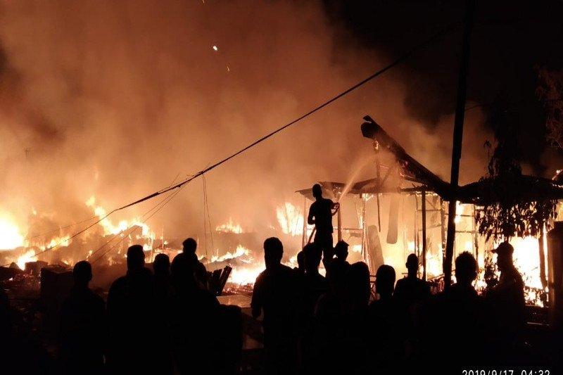 Penyebab kebakaran besar di Agats diduga akibat arus pendek