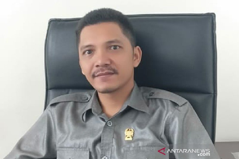 Seorang driver ojek online resmi jadi anggota DPRD Medan