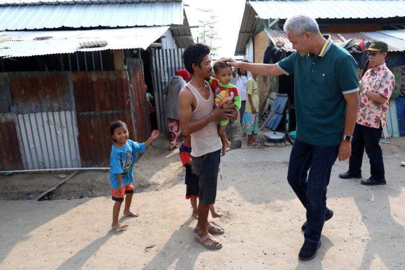 Ganjar Pranowo kunjungi hunian sementara Kampung Jateng di Palu
