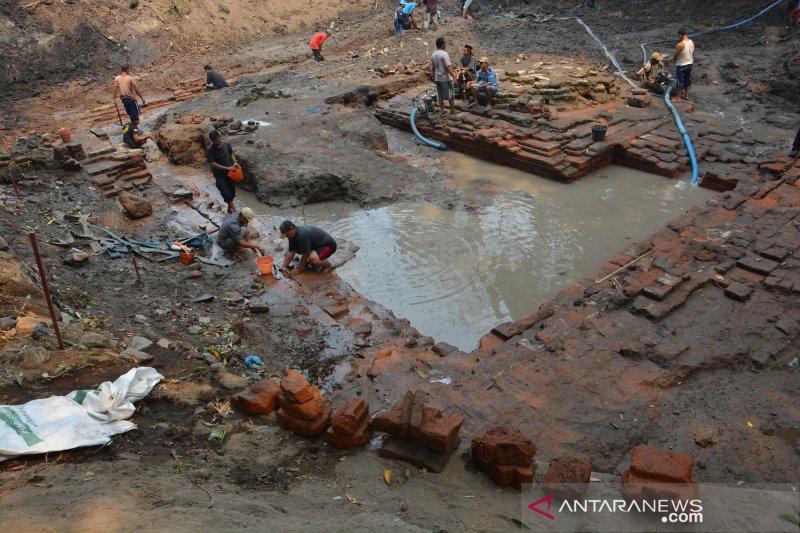 Ekskavasi situs petirtaan Sumberbeji Jombang diperpanjang