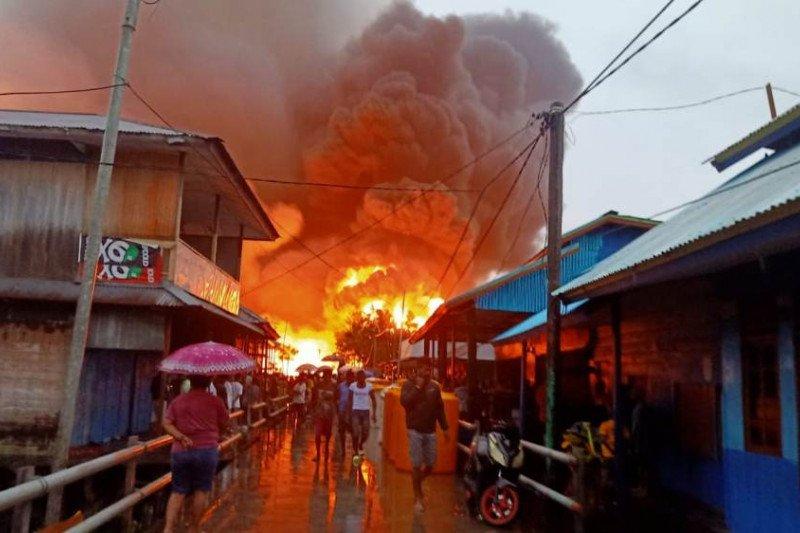 Bupati Asmat: Korban kebakaran mengungsi ke rumah ibadah