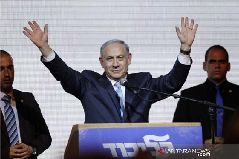 Ribuan warga Israel unjuk rasa terhadap Netanyahu di tengah
