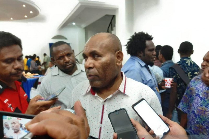 Though 600 Papuan students returned home
