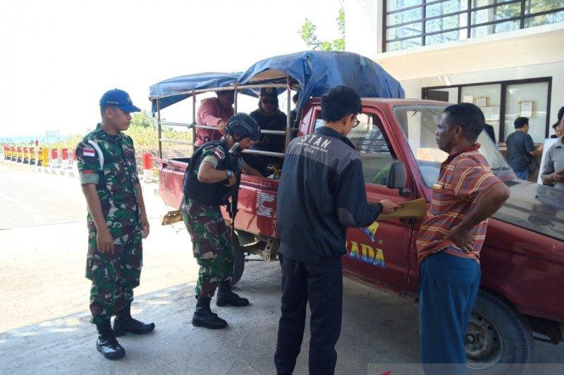 Satgas Pamtas Yonif Raider 142/KJ gagalkan penyelundupan BBM