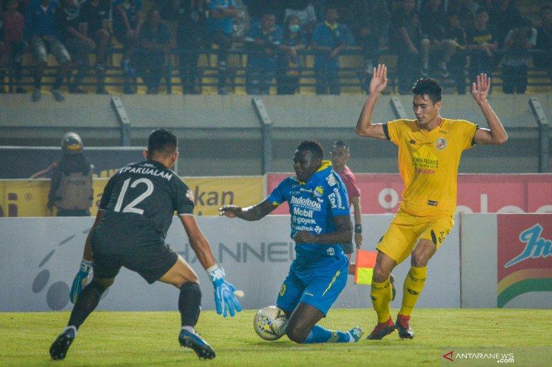 Pelatih Persib sebut Eze gagal penalti akibat hilang konsentrasi
