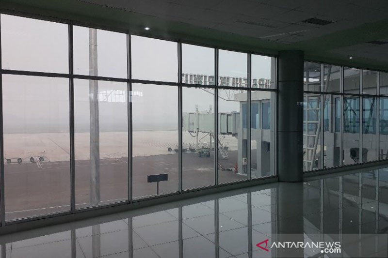 Jarak pandang di Bandara Tjilik Riwut fluktuatif akibat kabut asap