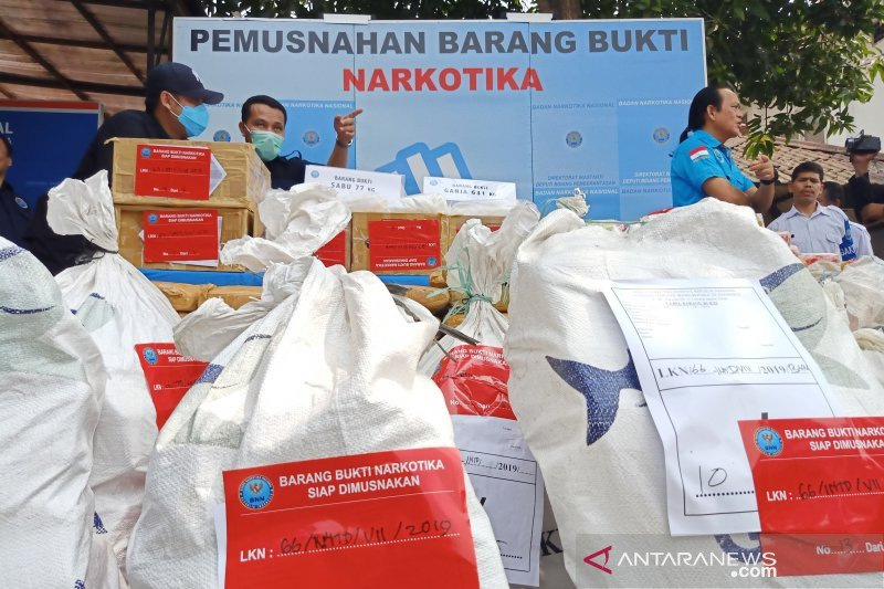 BNN musnahkan ratusan kilogram sabu dan ganja sitaan Juli-Agustus