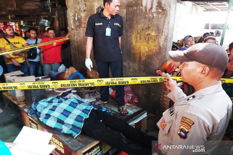Penemuan mayat laki-laki di pasar, tak ditemukan tanda penganiayaan