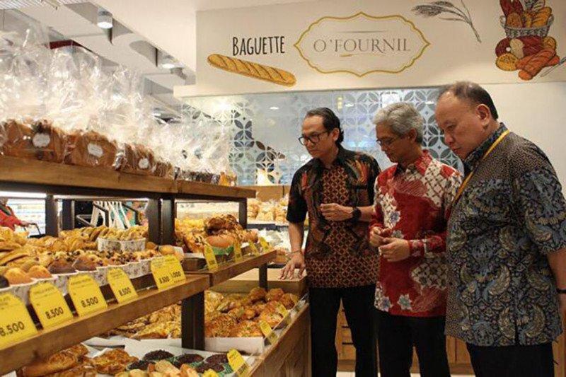 HERO Supermarket melakukan transformasi bisnis hadapi persaingan
