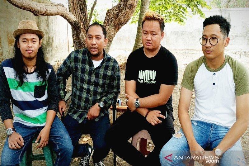 Musisi Sampit tengah merilis lagu suarakan penderitaan masyarakat akibat kebakaran lahan