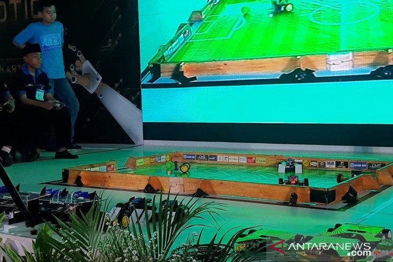 Robot-robot beradu dalam ASEAN Robotic Day 2019