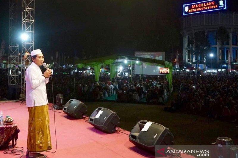 Puluhan ribu warga ikuti tabligh akbar di Alun-Alun Magelang