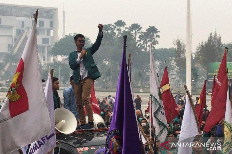 VIDEO - Gubernur Riau akan bekukan izin korporasi pembakar lahan