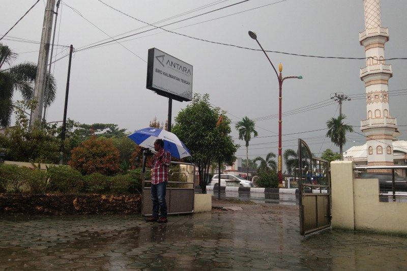 Warga harus mulai waspadai penyakit musim hujan