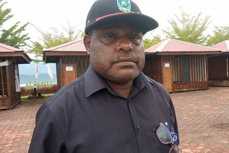 Atururi dinilai layak dijuluki Bapak Pembangunan Papua Barat