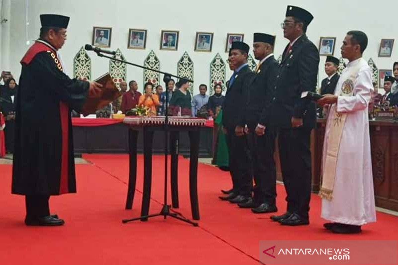 Tiga unsur pimpinan DPRD Palangka Raya resmi dilantik