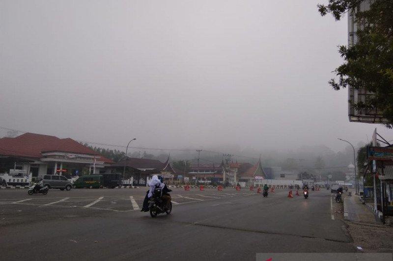 Bupati Sijunjung intruksikan liburkan sekolah, kabut asap kiat membahayakan