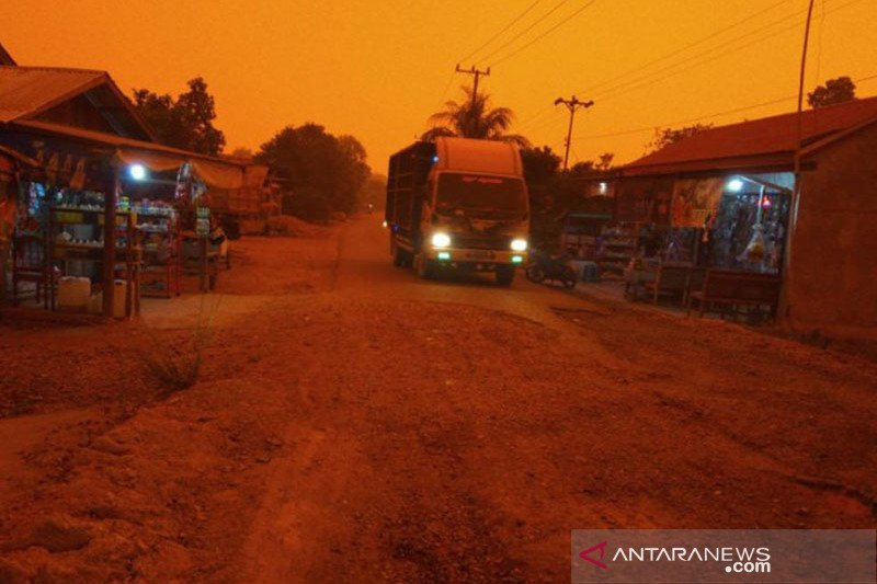 Makin pekat kabut asap karhutla di Muarojambi