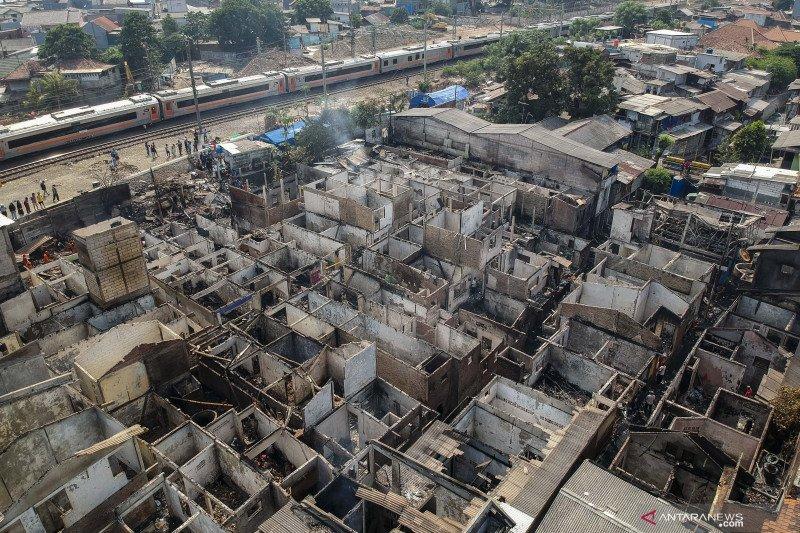 Kebakaran permukiman padat penduduk di Jatinegara
