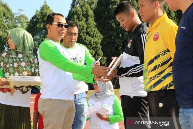 Pemkab Lutim beri penghargaan kepada atlet berprestasi