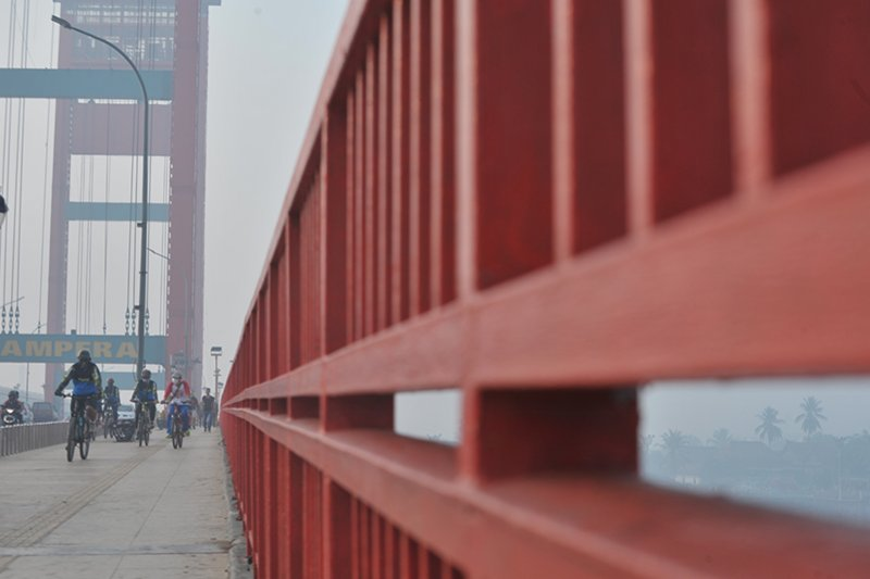 Kondisi kabut asap pagi di Palembang