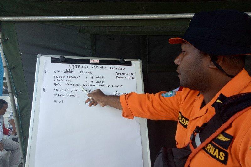 Pesawat TNI temukan diduga serpihan pesawat yang hilang kontak