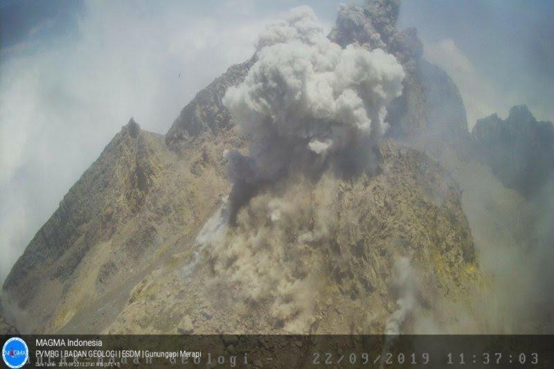 Akumulasi gas, picu awan panas letusan Gunung Merapi