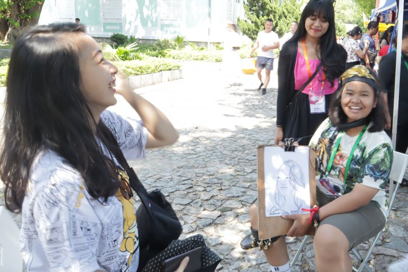Pelukis belia asal Klaten Jateng jadi bintang di Makau