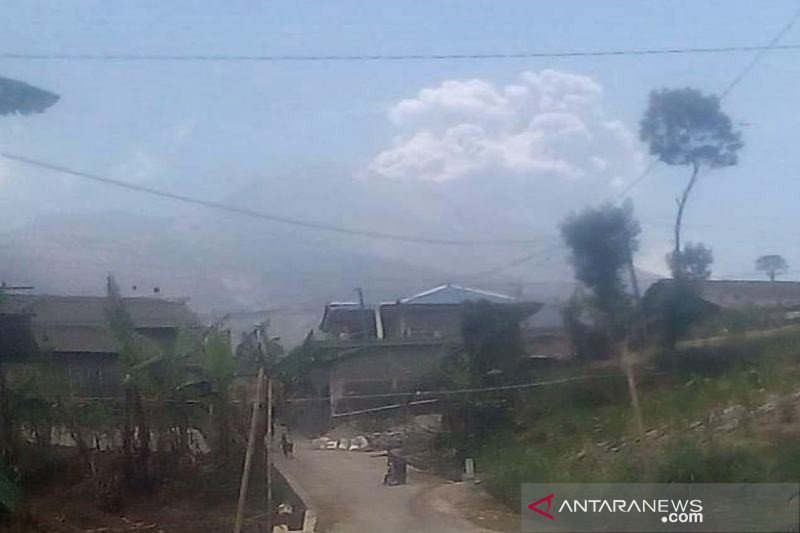 Warga Selo Boyolali tidak terdampak hujan abu dari Gunung Merapi