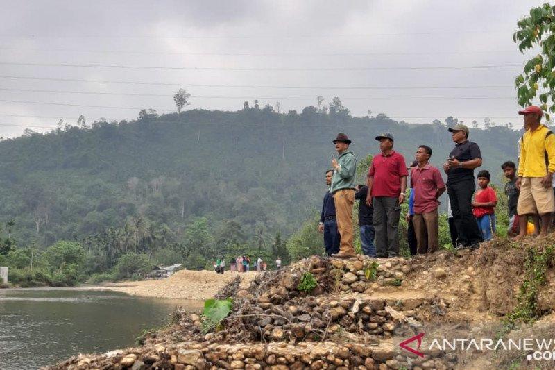 Pesisir Selatan Perbaiki Irigasi Jalamu Batang Kapas