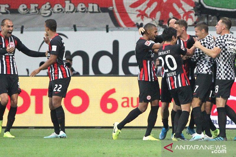 Gol bunuh diri Delaney jadikan Dortmund imbang lawan Frankfurt