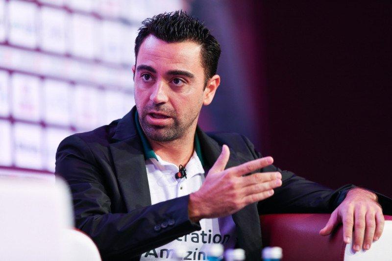 Jika Valverde didepak, Xavi siap latih Barcelona