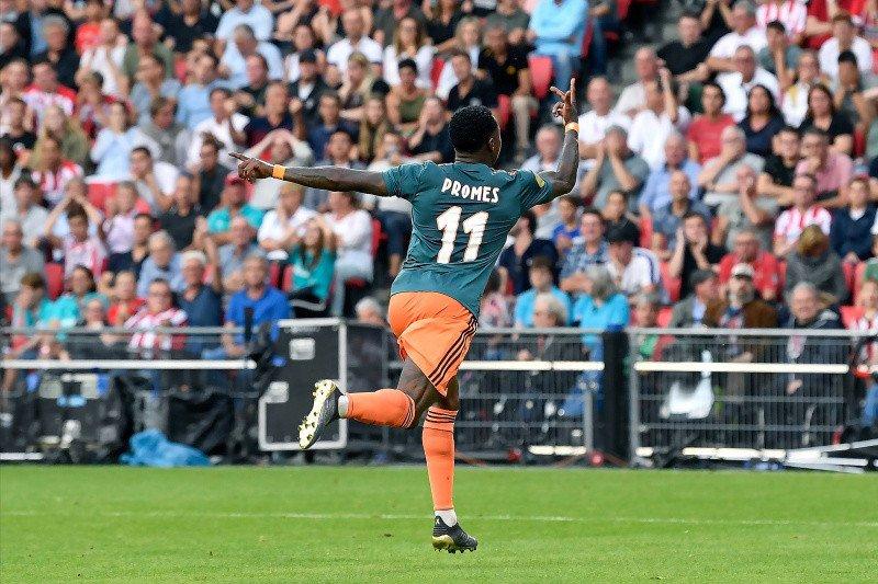 Ajax berbagi satu poin dengan PSV