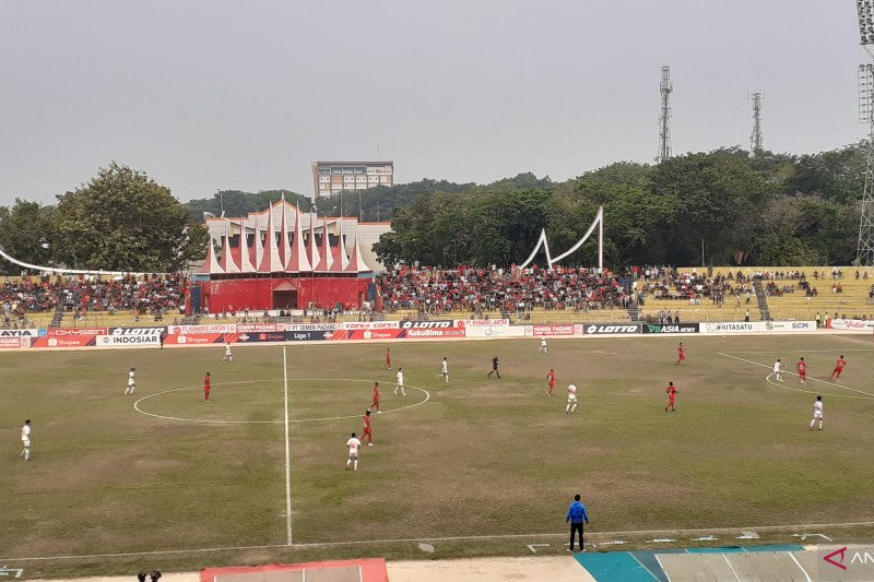 Semen Padang  tundukkan PSM 2-1