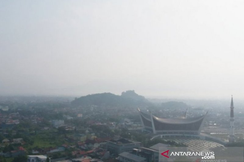 BMKG: West Sumatra's air quality has touch level is very unhealthy