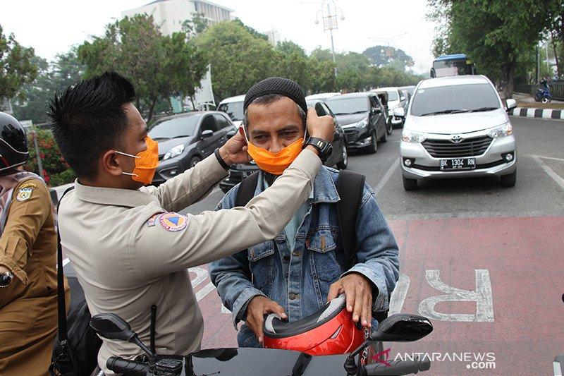 BPBA bagi 5.000 masker untuk pengguna jalan di Banda Aceh