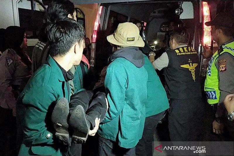 Dokter: Mahasiswa pingsan saat aksi di Bandung akibat perut kosong