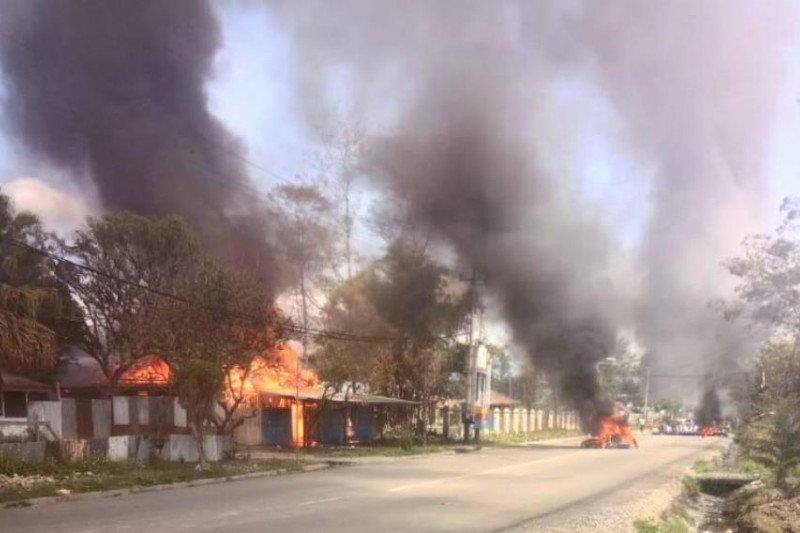 Kantor PLN Wamena dibakar massa