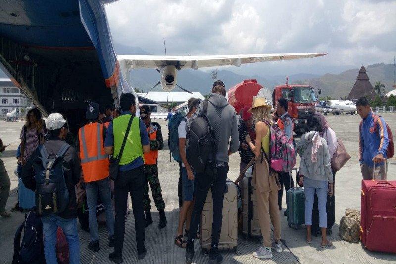 Lima turis asal Ukraina dievakuasi dari Wamena