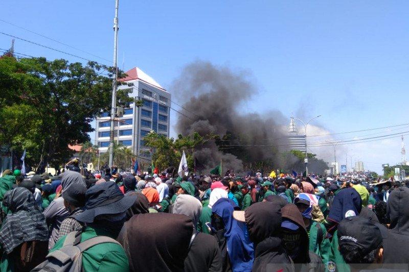 Demo mahasiswa, 1.900 personel diturunkan di Makassar
