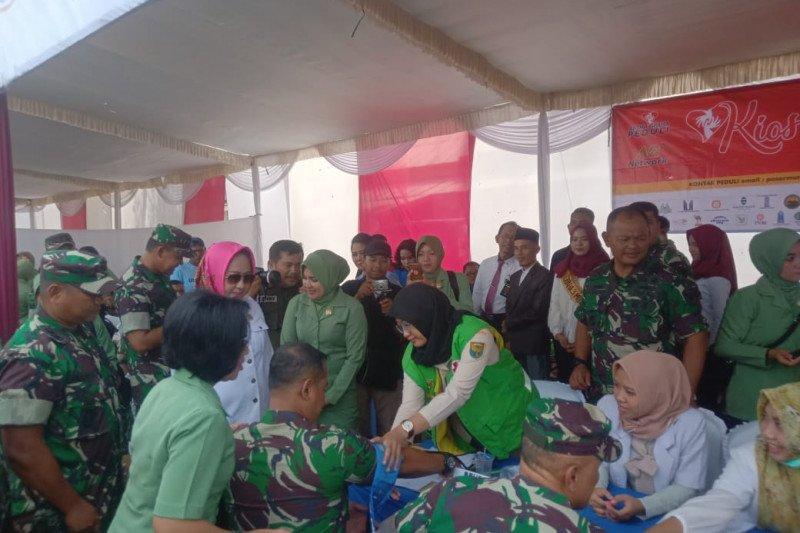 Peringati HUT TNI, Korem 043/Gatam gelar bakti sosial di Tulang Bawang