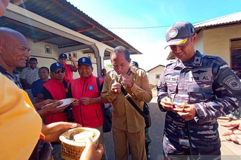 Tim Ekspedisi dikukuhkan sebagai warga Lamalera