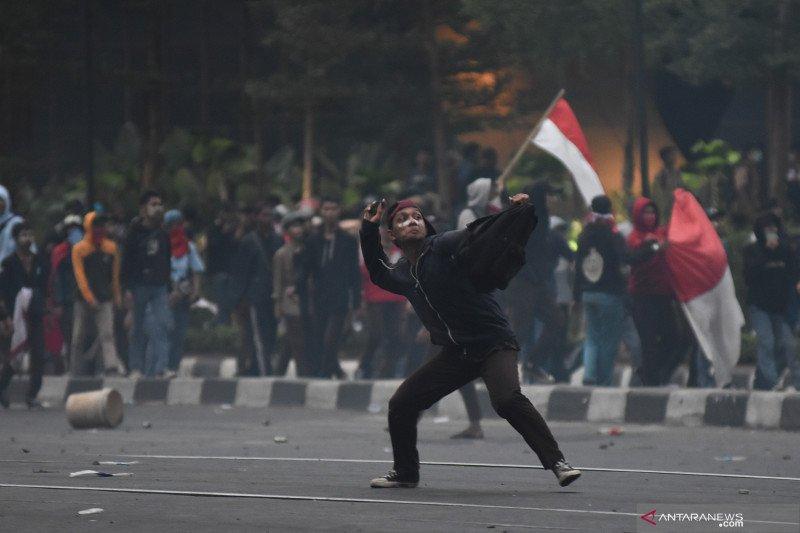 Para sudin pendidikan bergerak identifikasi siswa dari lokasi demonstrasi