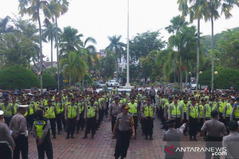 Polresta Padang kerahkan 350 personel kawal demo di DPRD Sumbar