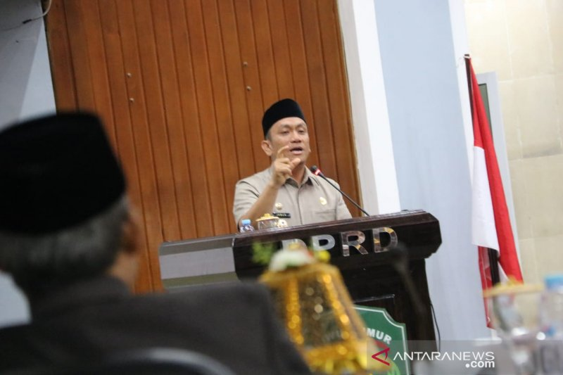 Wakil Bupati Lutim jawab pandangan umum Fraksi DPRD